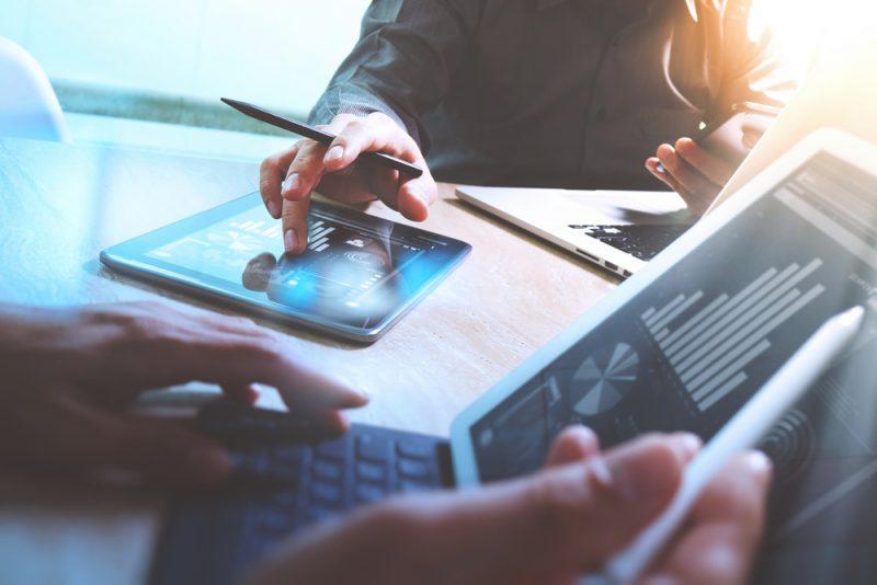 הלוואות בערבות המדינה: ייעוץ פיננסי שאתם חייבים להכיר. צילום: Everything Possible, Shutterstock