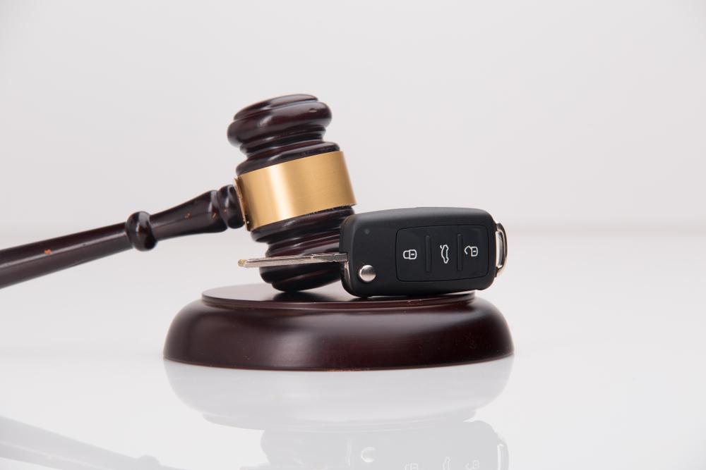 עורך דין תעבורה. צילום: ׁShutterstock- Burdun Iliya