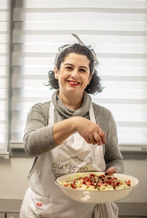 """גלינה וייס: """"""""הכל מתחיל ונגמר בהתכווננות של מי שמבשל"""". צילום: ענת פנחס – האשה והעדשה"""