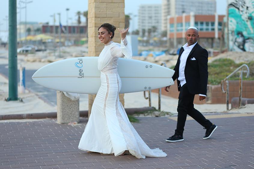 ענת וגל מתחתנים לעיני מאות צופים בפייסבוק לייב. צילום: שלומי דדון