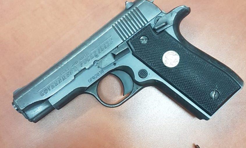 אקדח. צילום ארכיון: דוברות המשטרה