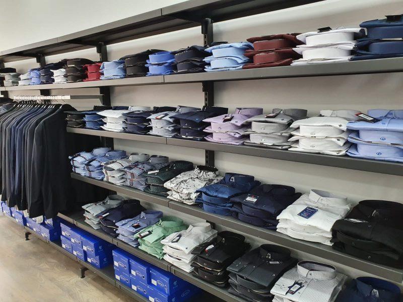 מבחר איכותי ומגוון של סגנונות לבוש. צילום: אושר פוז