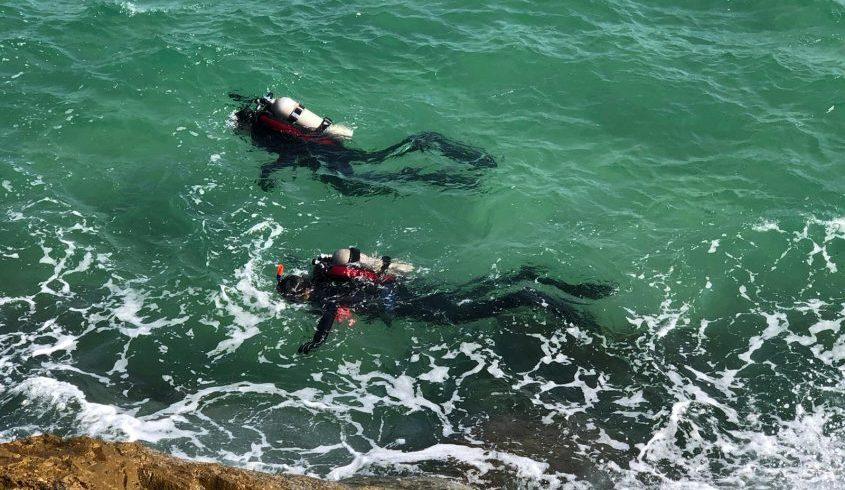 הצוללנים סורקים. צילום: דוברות כבאות והצלה