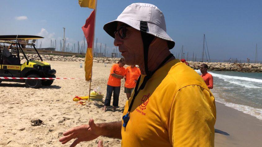 אחרי תום עבודת המצילים: אלון אוחיון. צילום: עיריית אשדוד-אגף החופים