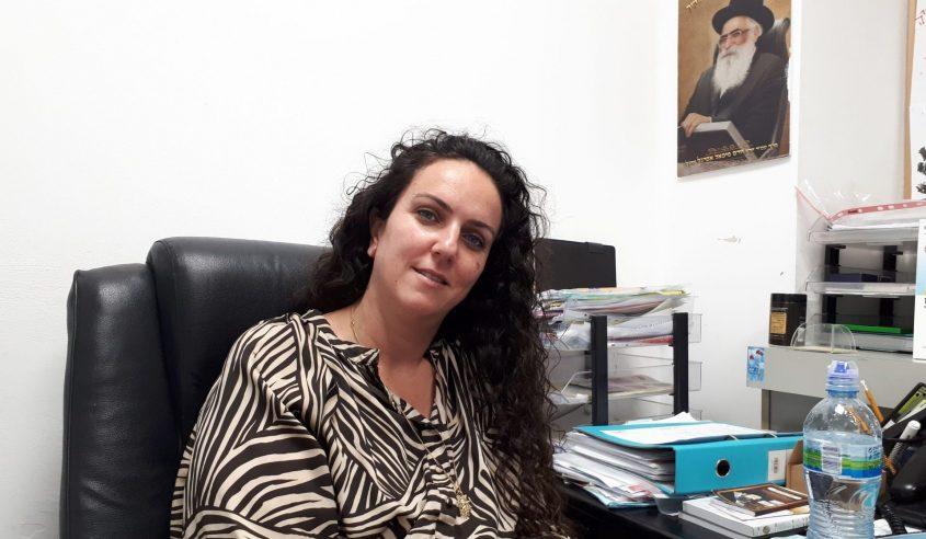 בחזית: מנהלת מחלקת בריאות בעיריית אשדוד, מירי בן דוד. צילום: דור גפני