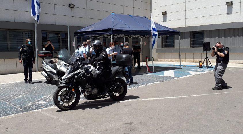 ניסוי כלים: השקת יחידת האופנועים הבוקר בתחנת משטרת אשדוד. צילום: דור גפני