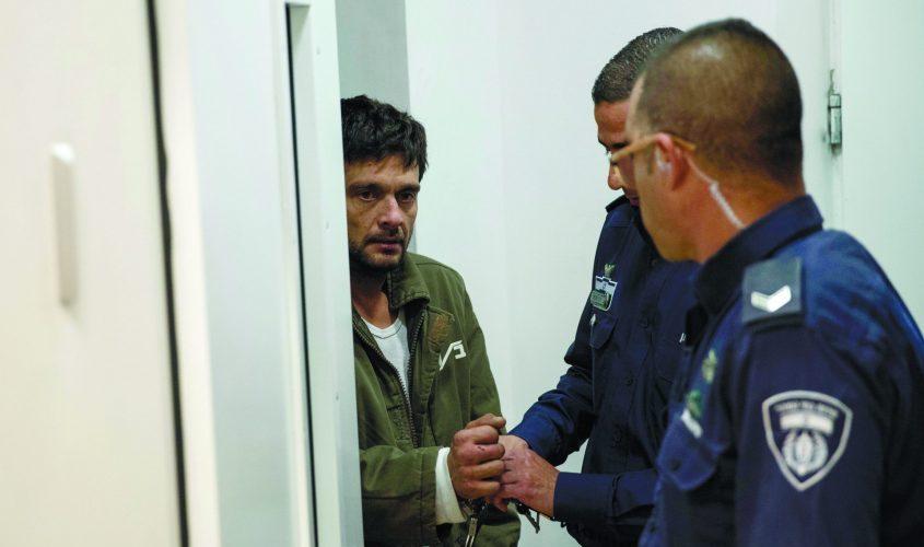 הורשע ברצח אמו, אך ממשיך לטעון לחפותו, וכך גם משפחתו: ארטיום קפוסטין