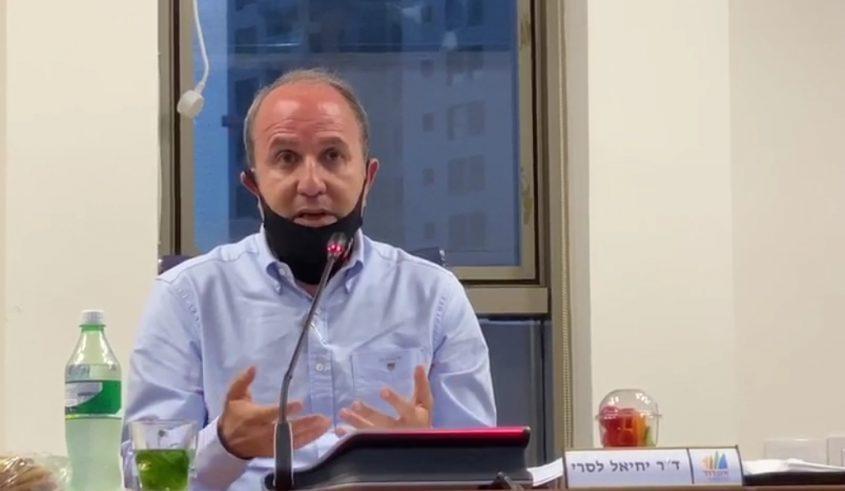 הלסרי בישיבת מועצת העיר הערב. צילום: עיריית אשדוד