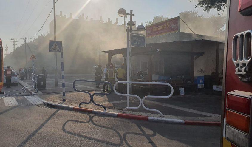 השריפה בחנות. צילום: ashdod news
