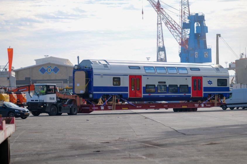 הרכבות החשמליות החדשות הגיעו לישראל. צילום: claudview שבתאי טל