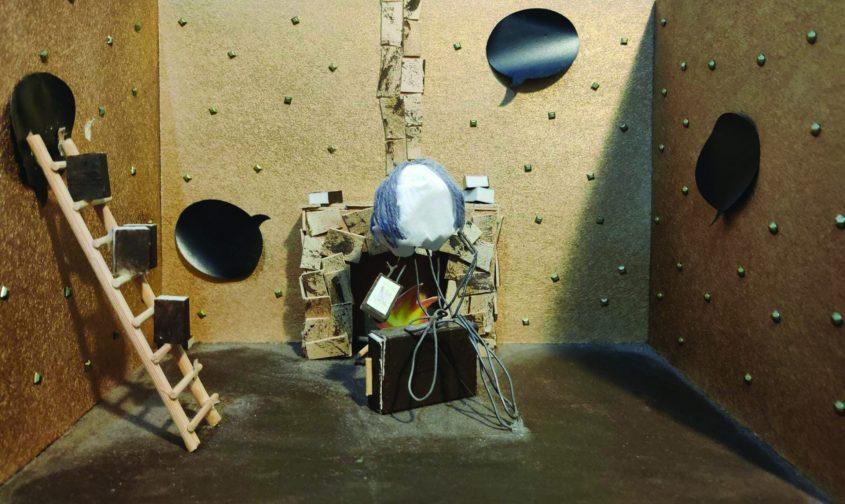 דגם מוקטן של תפאורה שאלעד הכין ליום הולדתה של סמדר צילום אלעד גיטלמכר