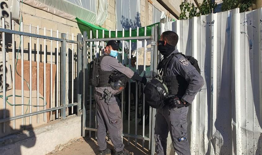 השוטרים סוגרים את גרודנא. צילום: דוברות המשטרה