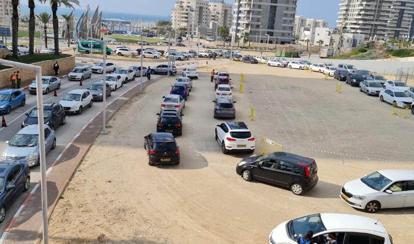 בדיקות קורונה באשדוד. צילום: עיריית אשדוד