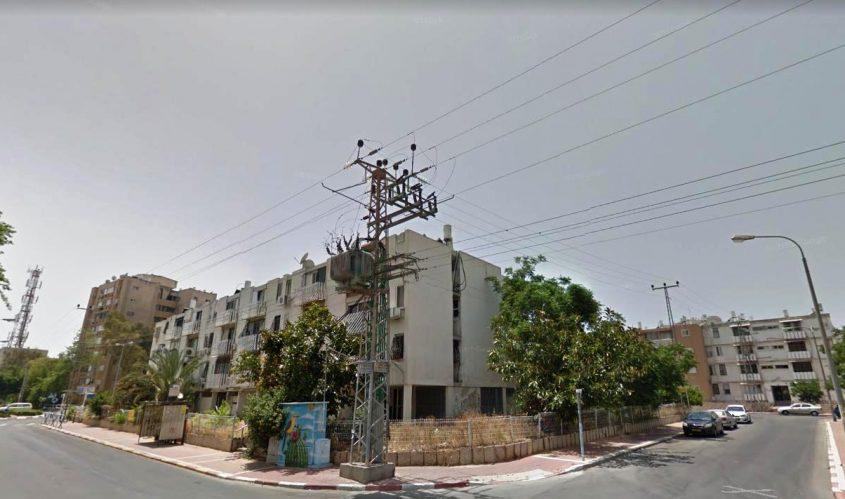 כבלי חשמל ברחוב נתן אלבז. צילום מתוך גוגל סטריט וויו
