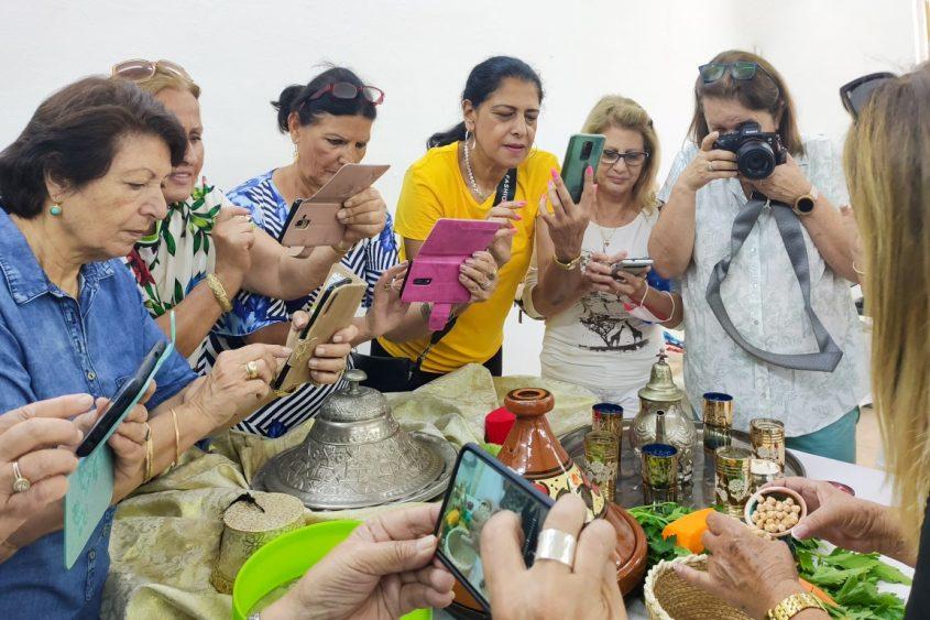 המשתתפות בסדנת הצילום. צילום: רינה גל