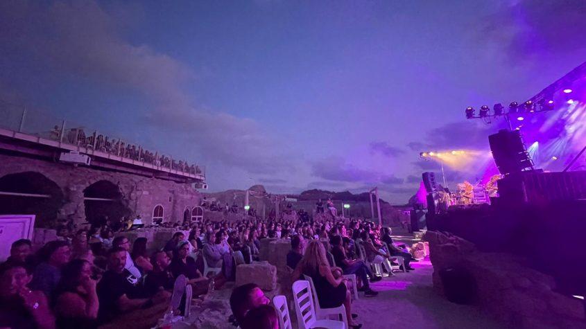 הקהל במצודה. צילום: שמואל דוד