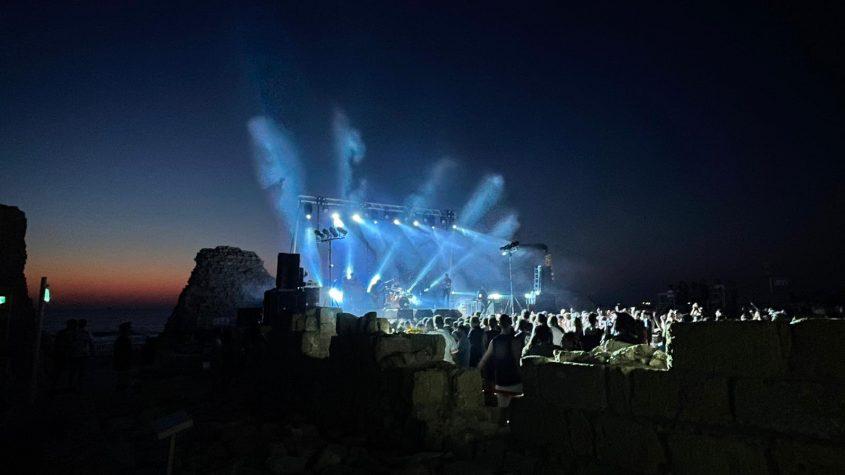 הופעה של טונה במצודה. צילום: שמואל דוד
