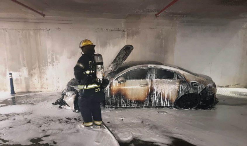 הרכב שנשרף בחניון. צילום: תיעוד מבצעי כבאות והצלה