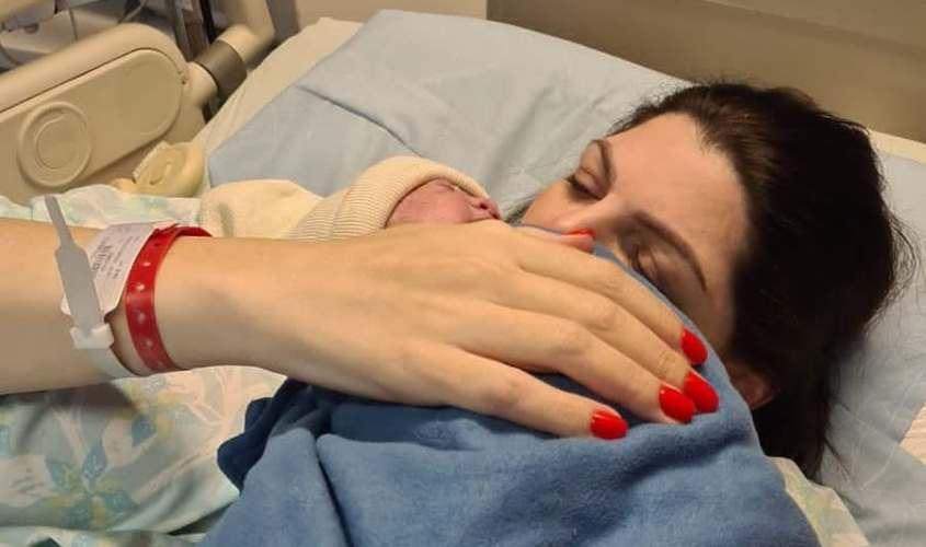 ליזה ללוצשווילי והתינוקת תמרה